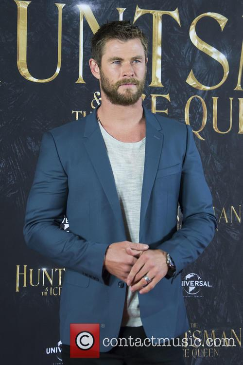 Chris Hemsworth 9