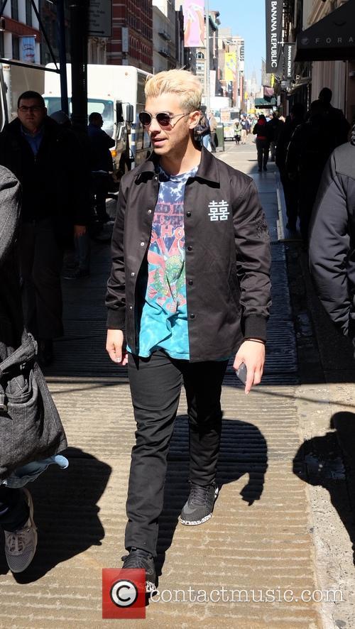 Joe Jonas 4