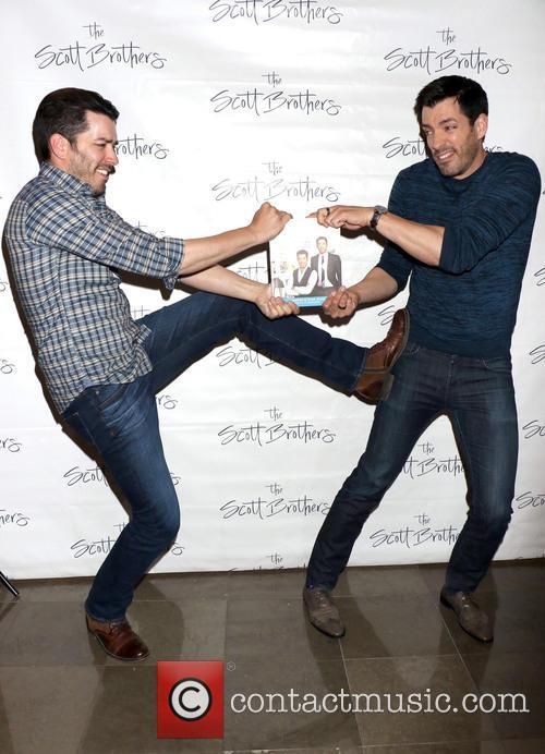 Jonathan Scott and Drew Scott 3