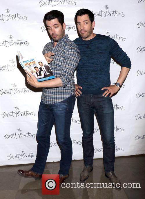 Jonathan Scott and Drew Scott 5