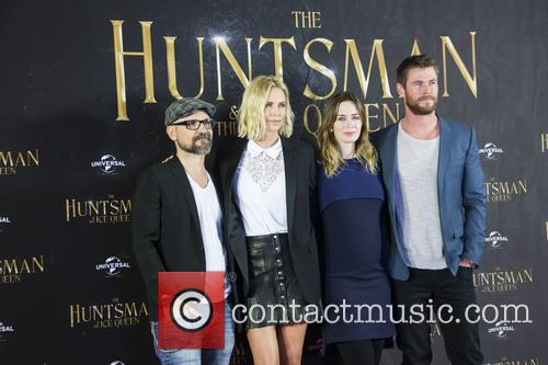 Cedric Nicolas-troyan, Charlize Theron, Emily Blunt and Chris Hemsworth 5