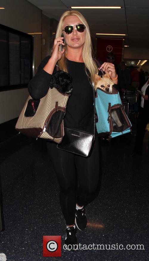Brooke Hogan at Los Angeles International Airport