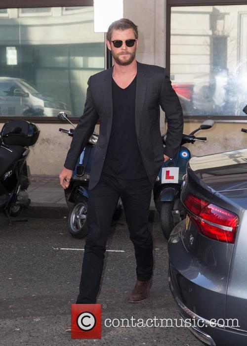 Chris Hemsworth 8