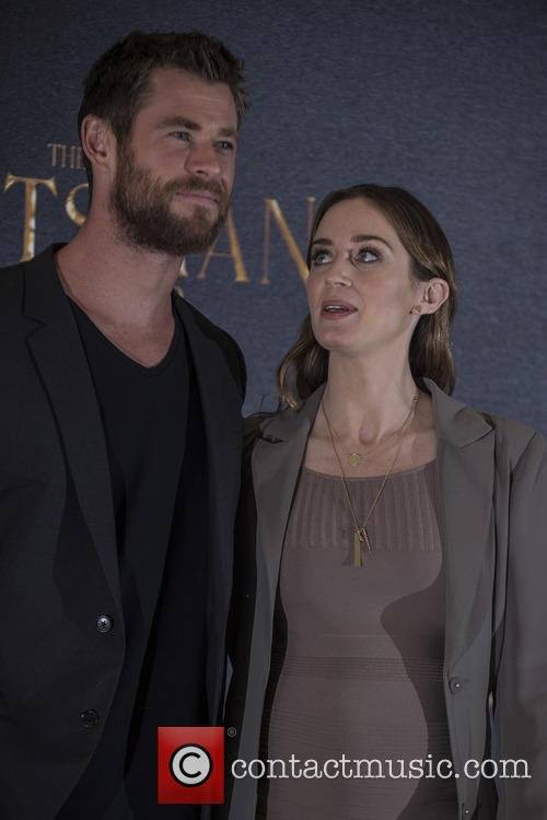 Chris Hemsworth and Emily Blunt 5