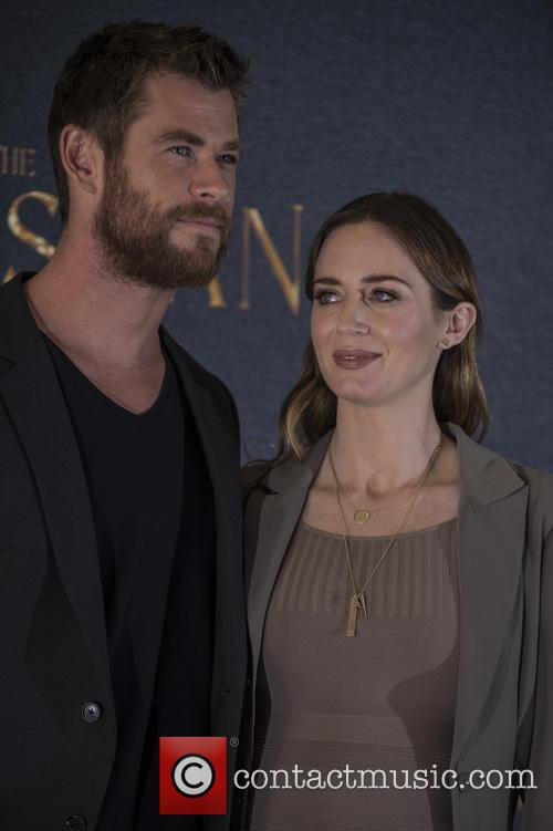 Chris Hemsworth and Emily Blunt 8