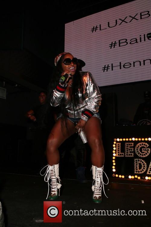 Foxy Brown 2