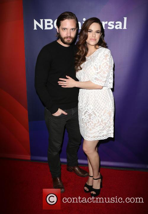 Aaron Stanford and Emily Hampshire 9