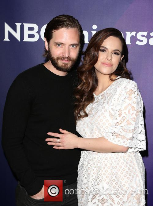 Aaron Stanford and Emily Hampshire 10