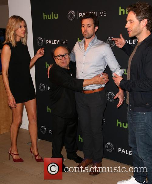 Kaitlin Olson, Danny Devito, Rob Mcelhenney and Glenn Howerton 1
