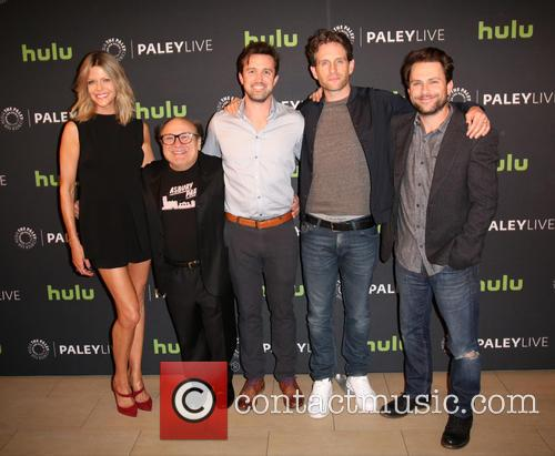 Kaitlin Olson, Danny Devito, Rob Mcelhenney, Glenn Howerton and Charlie Day 2