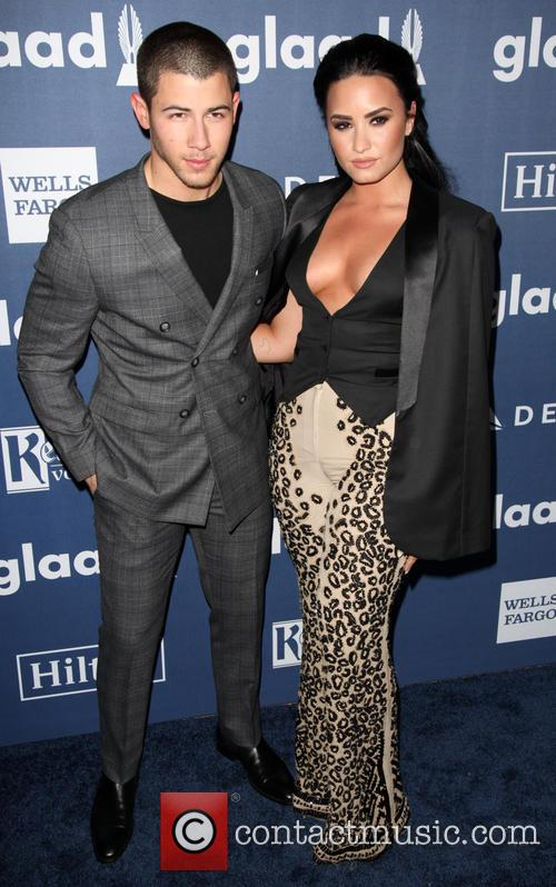 Nick Jonas and Demi Lovato 3