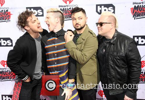 Kevin Ray, Nicholas Petricca, Eli Maiman, Sean Waugaman and Walk The Moon 2