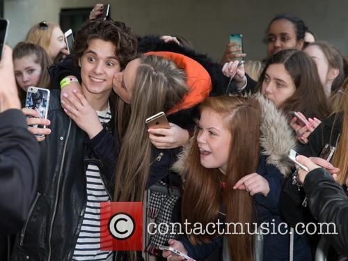 The Vamps and Bradley Simpson 4