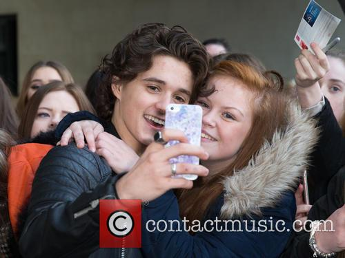 The Vamps and Bradley Simpson 5