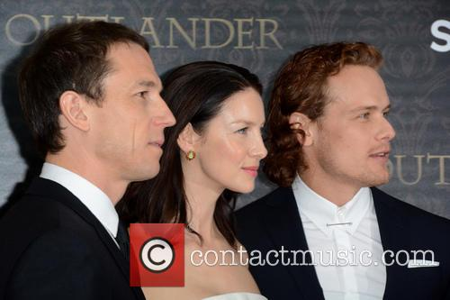 Tobias Menzies, Caitriona Balfe and Sam Heughan 4