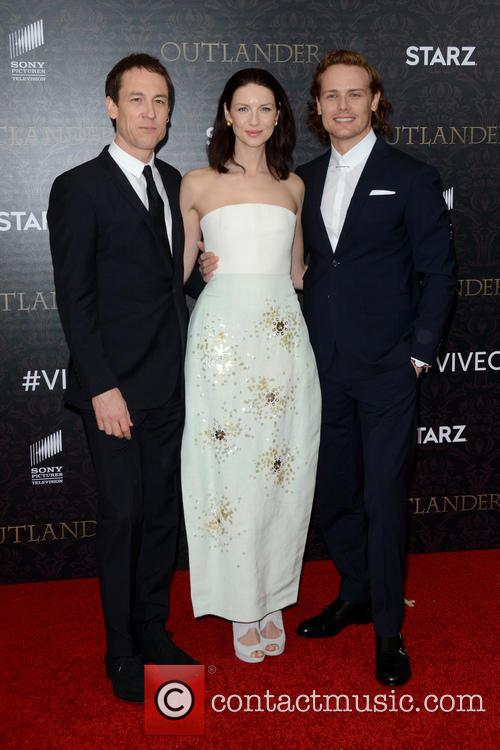 Tobias Menzies, Caitriona Balfe and Sam Heughan 5