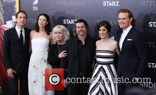 Tobias Menzies, Caitriona Balfe, Terry Dresbach, Ronald D. Moore, Maril Davis and And Sam Heughan 8