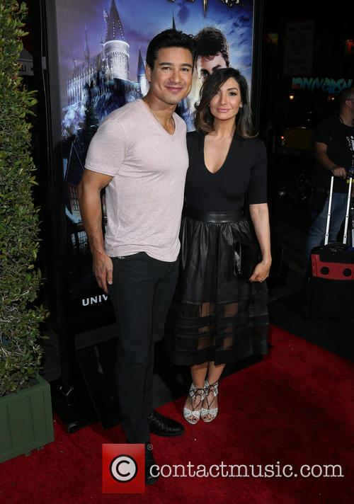 Mario Lopez and Courtney Laine Mazza 1