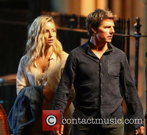 Tom Cruise and Annabelle Wallis 5