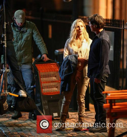 Tom Cruise and Annabelle Wallis 6