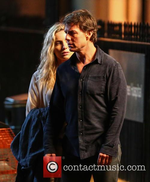 Tom Cruise and Annabelle Wallis 8