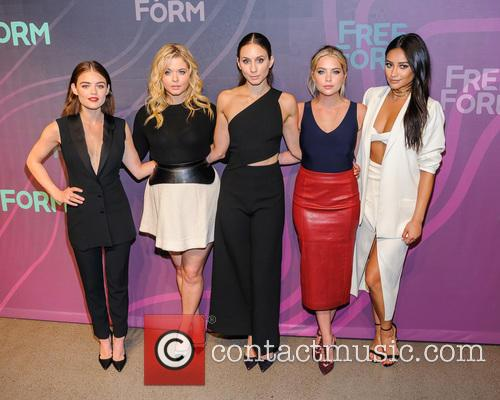 Lucy Hale, Sasha Pieterse, Troian Bellisario, Ashley Benson and Shay Mitchell 1
