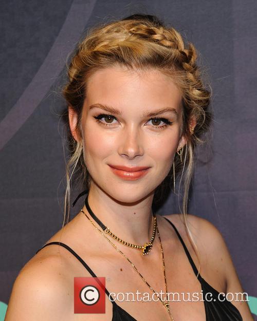 Emma Ishta 4