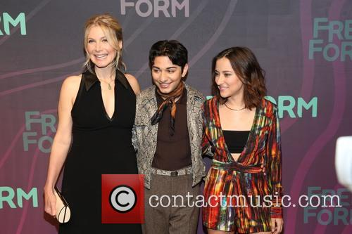 Elizabeth Mitchell, Mark Indelicato and Zelda Williams 4