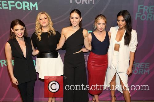 Lucy Hale, Sasha Pieterse, Troian Bellisario, Ashley Benson and Shay Mitchell 3
