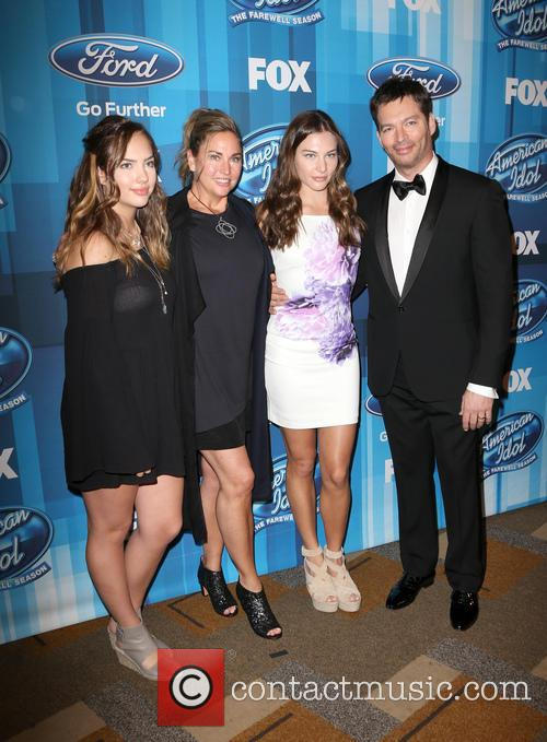 Sarah Connick, Jill Goodacre, Georgia Connick, Harry Connick and Jr. 3