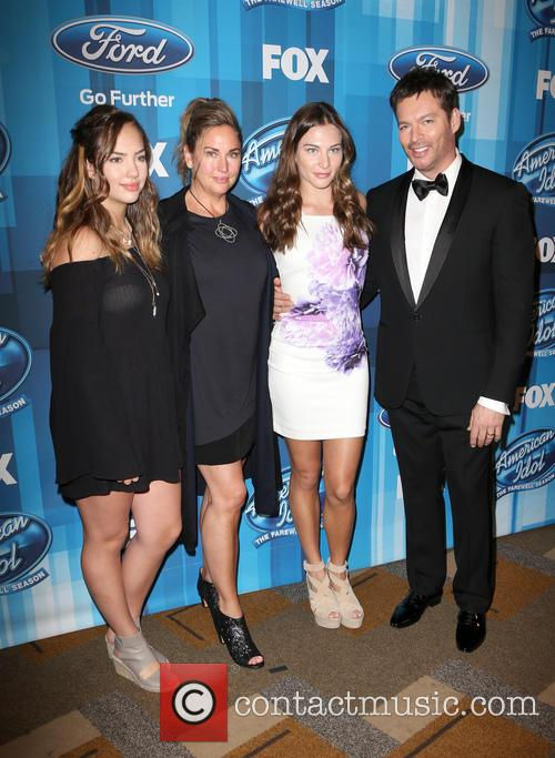 Sarah Connick, Jill Goodacre, Georgia Connick, Harry Connick and Jr. 4