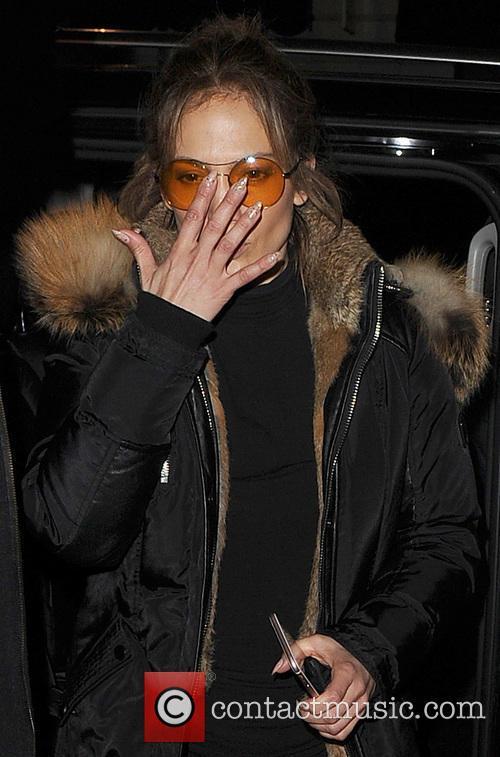Jennifer Lopez returning to her hotel