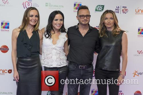 Sharon Corr, Andrea Corr, Jim Corr and Caroline Corr 3