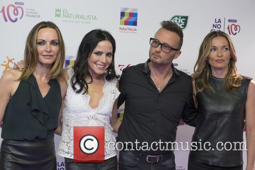 Sharon Corr, Andrea Corr, Jim Corr and Caroline Corr 5