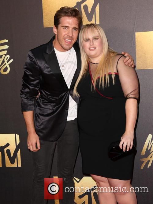 Hugh Sheridan and Rebel Wilson 1
