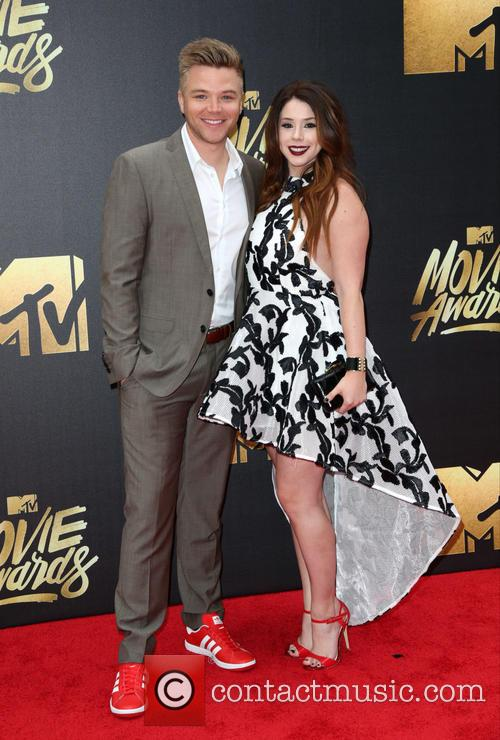 Brett Davern and Jillian Rose Reed 3