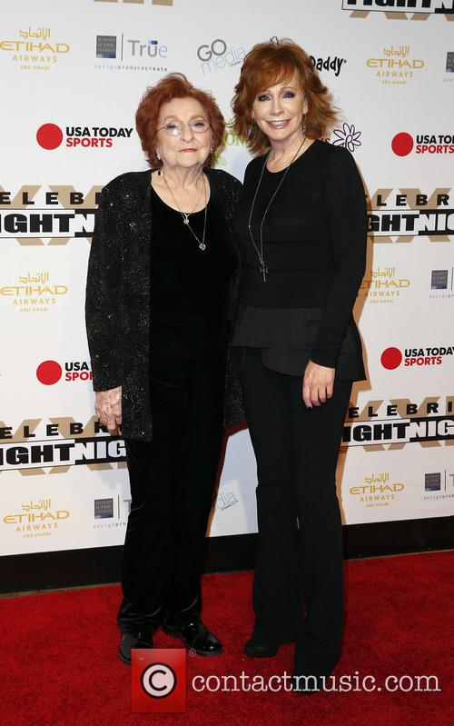 Reba Mcentire and Jacqueline Smith 2