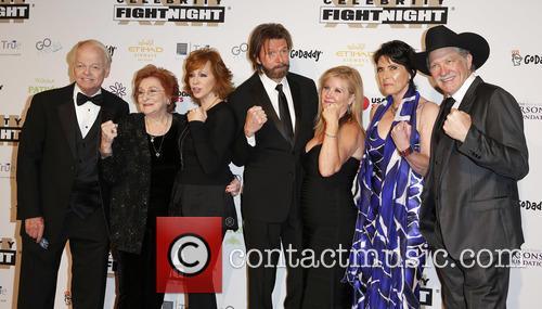 Jimmy Walker, Jacqueline Smith, Reba Mcentire, Ronnie Dunn, Janine Dunn, Barbara Brooks and Kix Brooks 4
