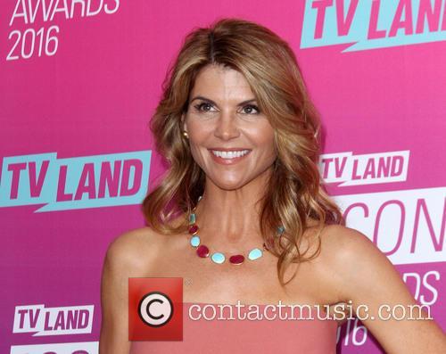 Lori Loughlin 4