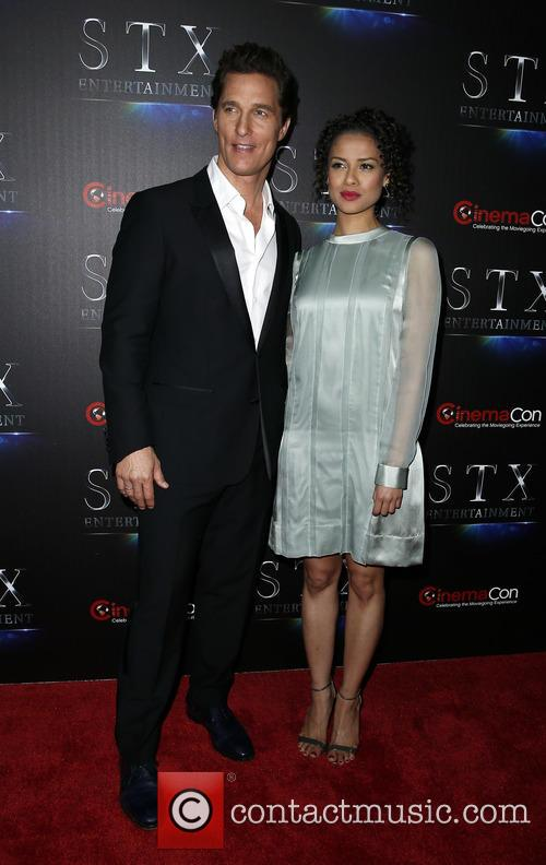 Matthew Mcconaughey and Gugu Mbatha-raw 3