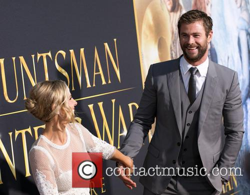 Elsa Pataky and Chris Hemsworth 8