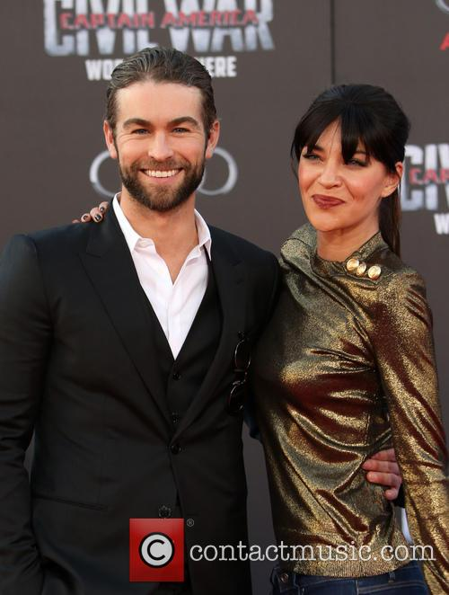 Chace Crawford and Jessica Szohr 5