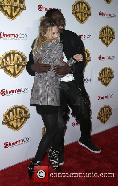 Margot Robbie and Adewale Akinnuoye-agbaje 10