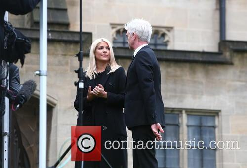 Holly Willoughby and Phillip Schofield 11