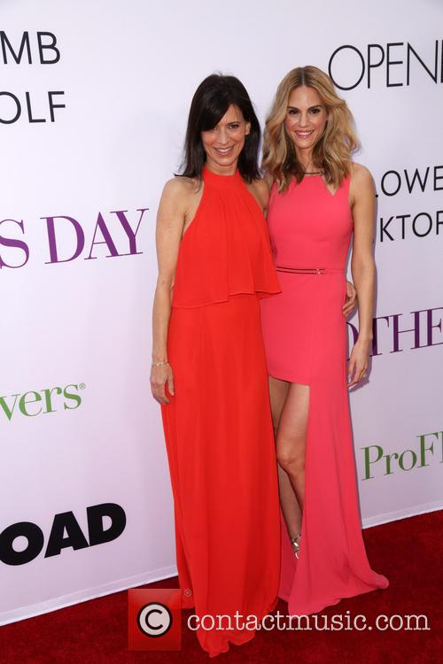 Perrey Reeves and Kelly Kruger 4