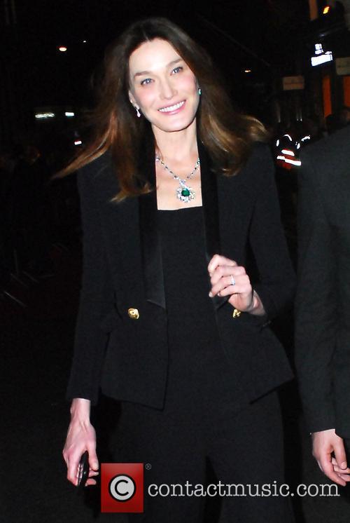Carla Bruni and Bond 3