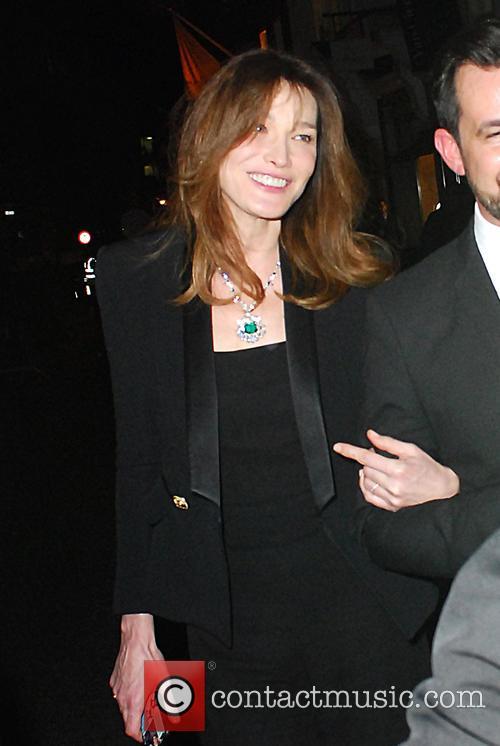 Carla Bruni and Bond 7