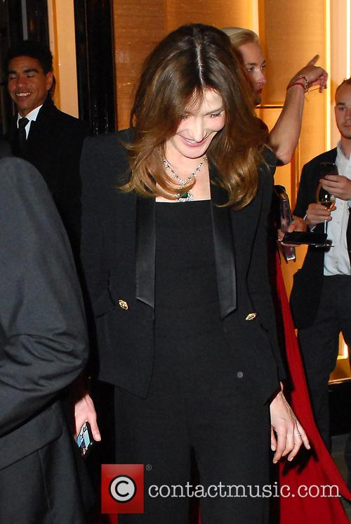 Carla Bruni and Bond 9