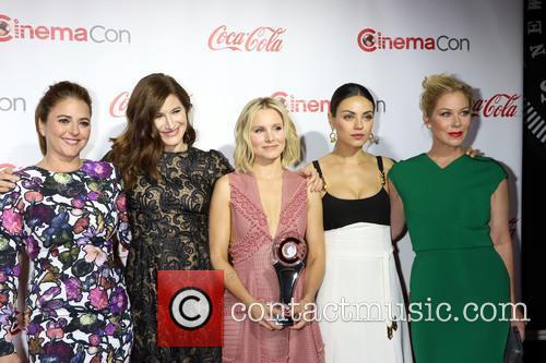 Annie Mumolo, Kathryn Hah, Kristen Bell, Mila Kunis and Christina Applegate 2