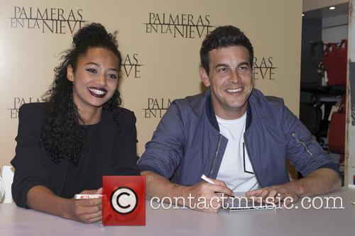 Mario Casas and Berta Vazquez 5